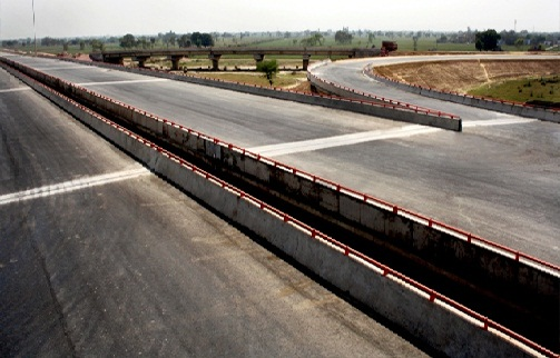 8 Lane Interchange on Yamuna Expressway near Mathura, Uttar Pradesh.