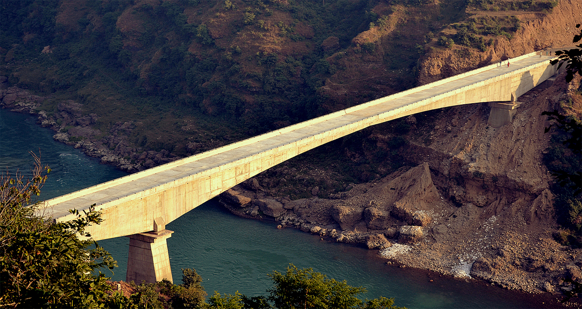 187m long Balanced Cantilever Bridge having 137m central span over river Chenab at Akhnoor, J&K