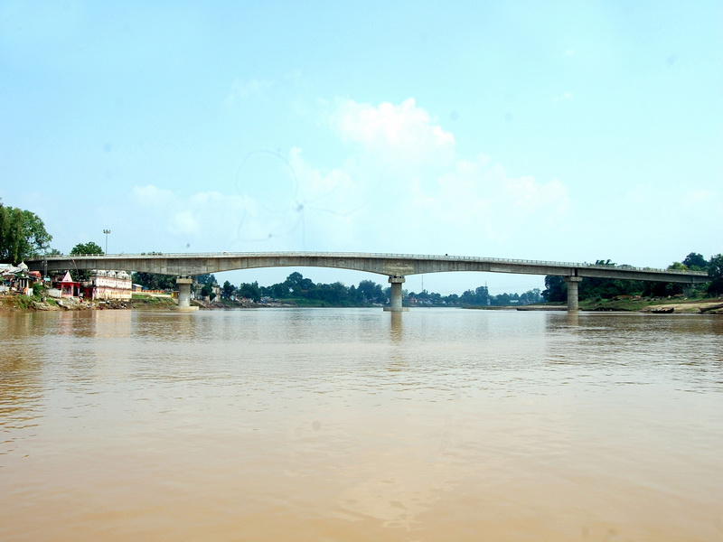 An High Level Twin Balanced Cantilever Bridge over river Narmada in Mandala, MP