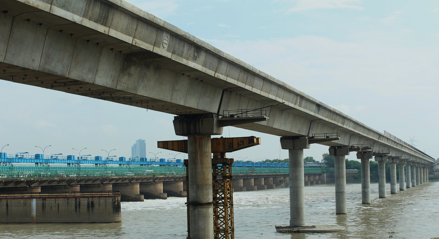 A High Level Bridge over river Yamuna at Kalindi Kunj For DMRC, New Delhi.
